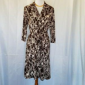 VINTAGE BROWN WHITE FLORAL FIT & FLARE DRESS